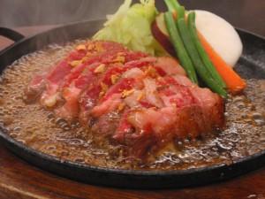 「いきなり!ステーキ」で70歳以上はドリンク無料!?